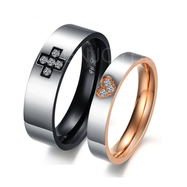 New Fashion Titanium Cross Gold Heart with Crystal Drills Love Couple Rings