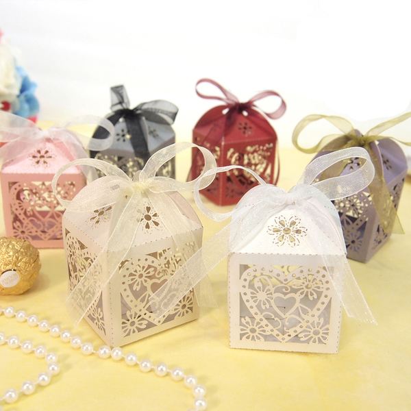 50pcs Hollow Out Hearts Flowers Pattern Laser Shaped Candy Box for Wedding