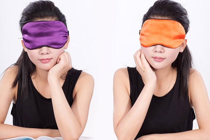 New Silk Eye Mask Eye Shade with Earplugs For travel and sleep Sleep sets