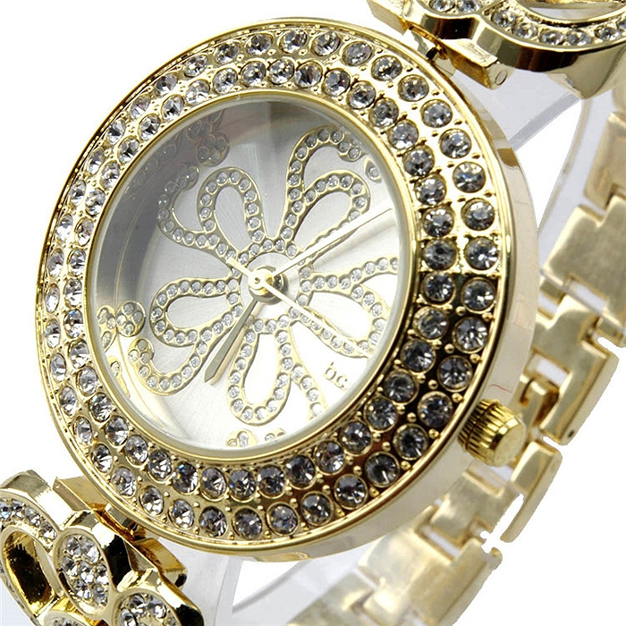 Chic and Luxury Women Crystal Floral Dial Quartz Alloy Bracelet Wristwatch